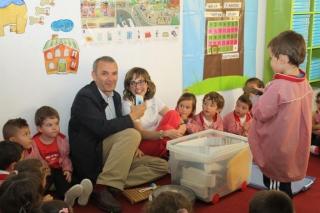 La vida del colegio El Globo Rojo reflejada en las ondas