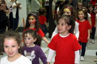 Las princesas, el modelo más elegido para la pasarela de maquillaje infantil