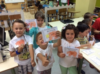 "Comenzamos la mañana con los talleres de inglés: ""Bear, What do you see?"""