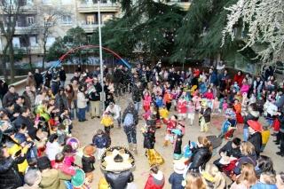 Carnaval multicolor en El Globo Rojo