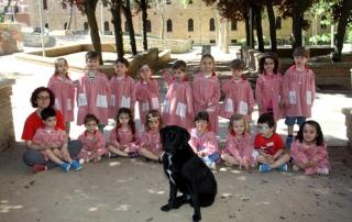 Nala visita a los niños de El Globo Rojo