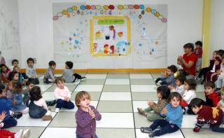 Los alumnos de El Globo Rojo celebran el Día de la Infancia
