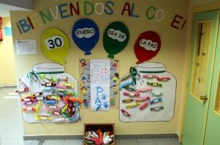 Caramelos con mensajes de amor y amistad por el Día de la Paz