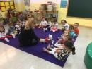 Niños y niñas aprenden inglés con profesorado nativo