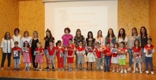 Entrañable acto de graduación para los alumnos de tercero de infantil