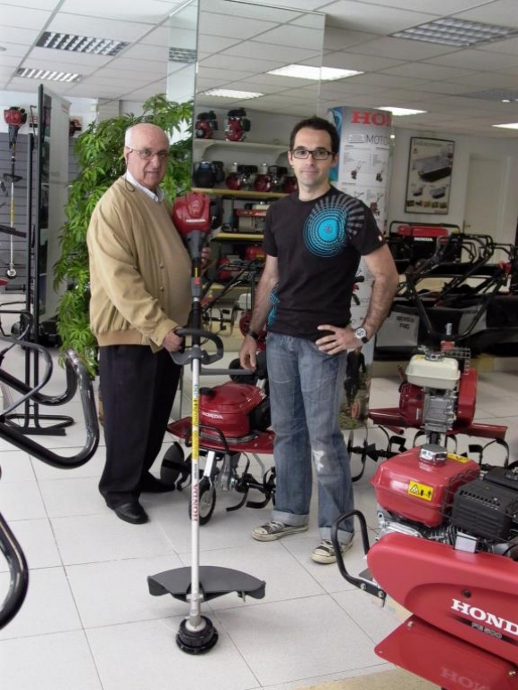 """Premiado en el tercer sorteo de la """"Campaña de motoazadas 2011"""""""