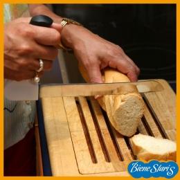 Cuchillo anatómico para el pan