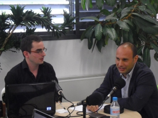 Entrevista en el programa Es Nuestro Momento, de Inforadio