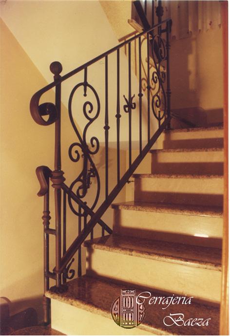 Hierro aluminios y cerrajer a baeza - Escaleras de forja interiores ...