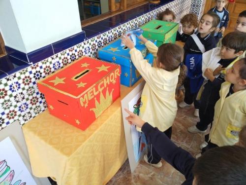Buzón navideño y recogida de la carta a los Reyes Magos de Oriente