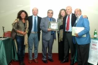PREMIO GENESIS 2012 AL PROFESOR LEÓN-CARRIÓN POR SUS CONTRIBUCIONES A LA REHABILITACIÓN DEL DAÑO CEREBRAL