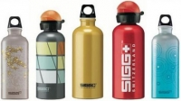 Botellas de agua de metal pueden filtrar BPA