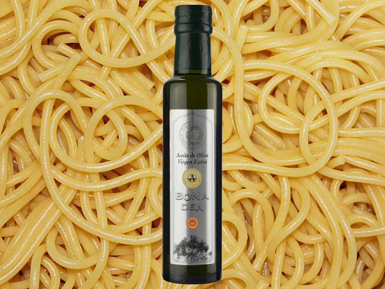Espaguetis con ajo, guindilla y Aceite de Oliva Virgen Extra Bona Dea