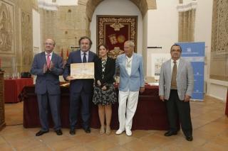 Recogida de premios mezquita por parte de juan rafael portero