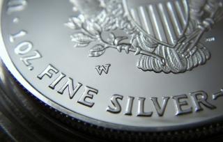 Precio de la plata al alza por alta demanda de inversión