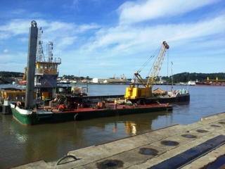 Puerto de Bayona: Primer dragado en Francia
