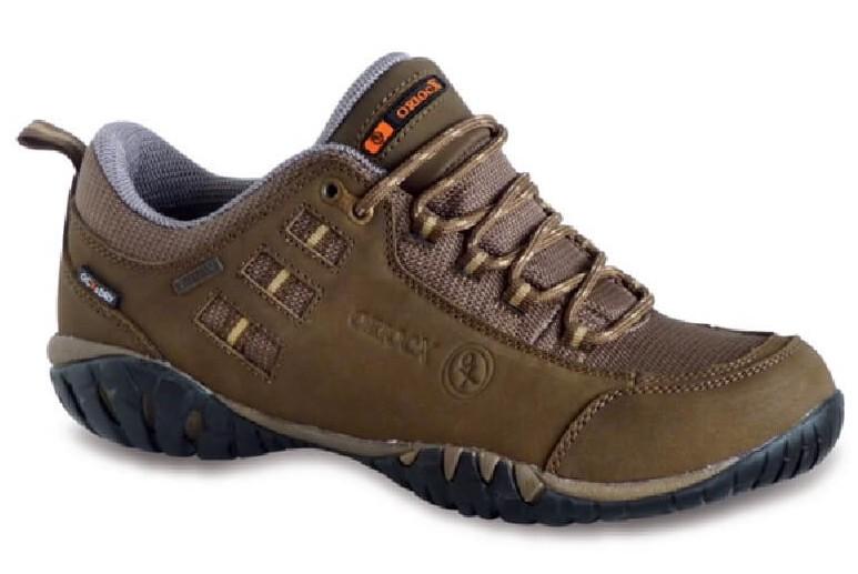 Zapato tekking ligero Clavijo (tallas 38 y 45)
