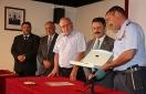 La Academia General del Aire recibe la distinción de honor la Cofradía de la Vera Cruz