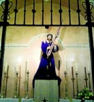 CÁCERES: La imagen del Nazareno vuelve a lucir en su capilla renovada