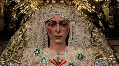 SEVILLA: Macarena. Besamanos a la Stma. Virgen de la Esperanza