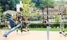 Roban asientos de columpios en los parques infantiles de bilbao