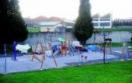 Comienza la instalación de nuevos columpios y aparatos de gimnasia en siete parques de Oviedo