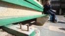 Quejas en Barañáin por la situación del mobiliario urbano y el asfaltado de algunas calles.