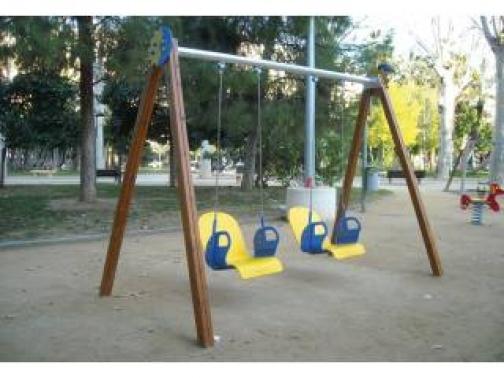 Columpio adaptado para niños con discapacidad