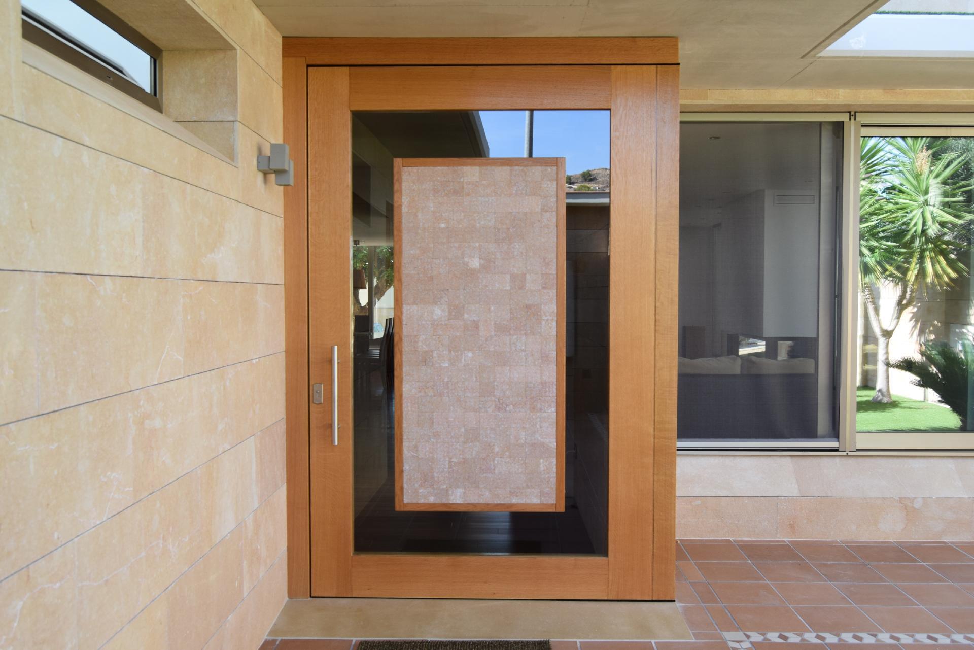 Trabajos realizados servicio integral de block for Puertas de madera con cristal