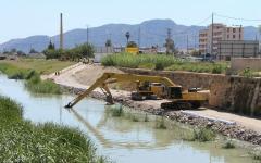 Dragando Rio fluvial dolmen movimientos