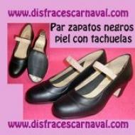 Zapato sevillana piel negro tachuelas