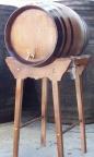 Barril de roble con pie alto de 64 litros con portes pagados
