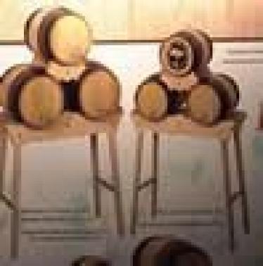 Conjunto de tres barriles de 4 litros con soporte alto