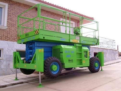 EMC PE - 21.  Altura de trabajo hasta 21 m.