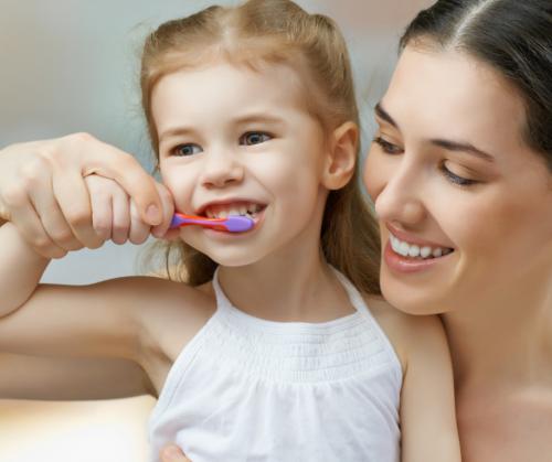 ¿Como debe ser un buen cepillado de dientes?