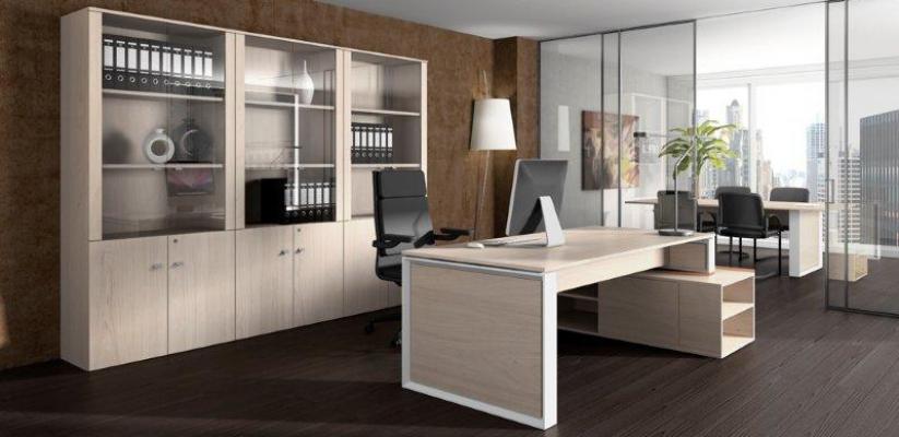 Muebles de oficina baratos: archivadores metálicos y mesa modelo Omega