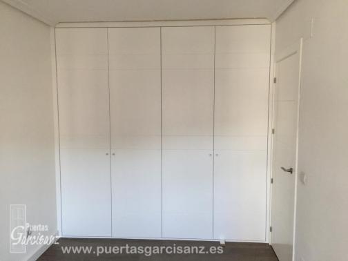 Frente de armario abatible lacado blanco puertas garcisanz for Frentes de armarios de cocina