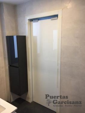 Puerta corredera de cristal lacado blanco 8 mm puertas - Puertas correderas casoneto ...