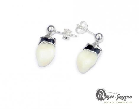 Pendientes de perla de venado.