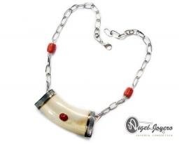 Collar oro & plata marfil de facochero
