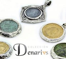 Las monedas son réplicas de monedas reales realizadas a mano.