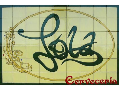 Rótulo de azulejos de cerámica Cervecería Lola
