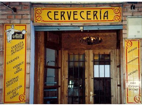Fachada de azulejos de cerámica Mesón