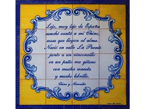 Rótulo  de azulejos de cerámica  pintado a mano