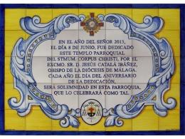 Rótulo  de azulejos de cerámica con texto y orla