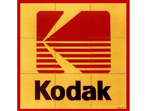 Mural de azulejos de cerámica con logotipo de kodak