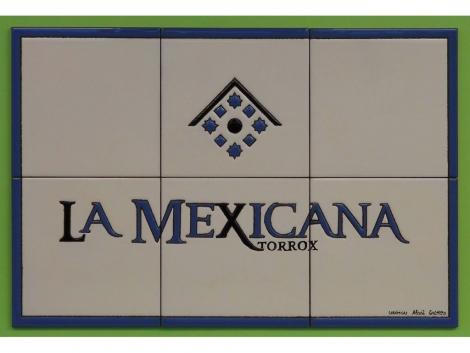 Mural de azulejos de cerámica con logotipo