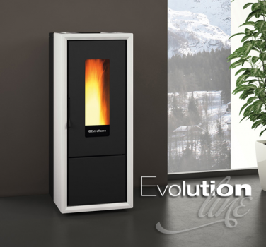 Extraflame saca al mercado sus nuevos modelos de estufa de pellet hermética para casas pasivas o de bajo consumo de energía.