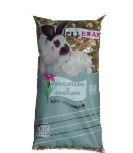 Conejos y conejillos 1 KG Pilesan