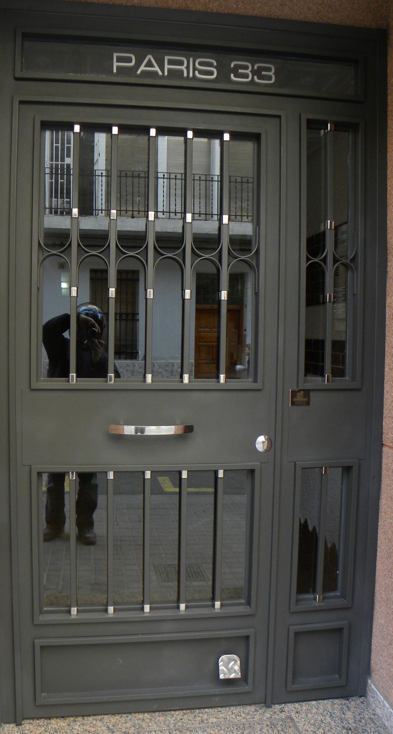 Grupo inoxmetal construcciones met lica - Modelos de puertas de hierro ...